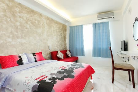 Spacious Room with Bathroom Up 4Pax KLCC View WIFi - Apartment