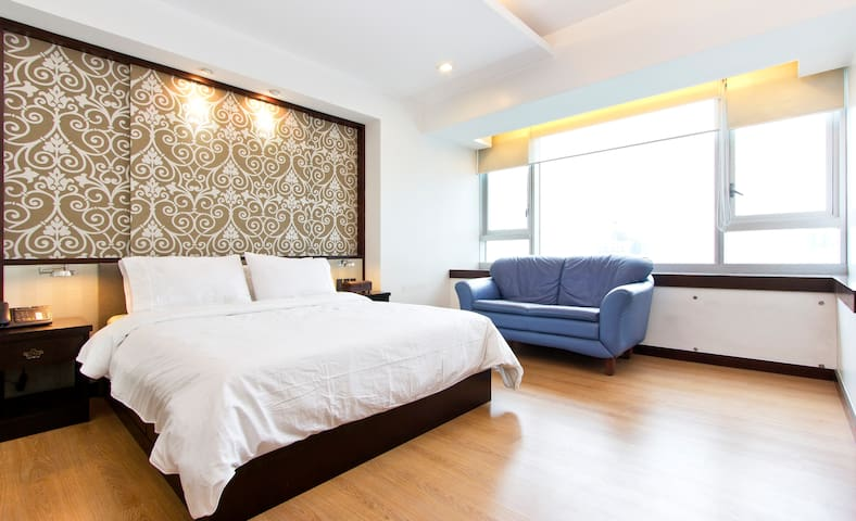 ** Spacious Studio by ShangriLa Mall - Great View