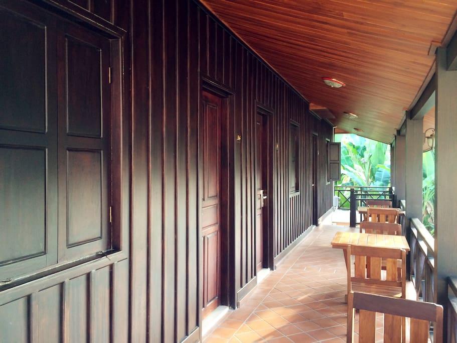 二楼木质结构