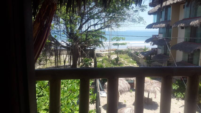 Double or triple room with Ocean view at La Facha - Mompiche - Hostel