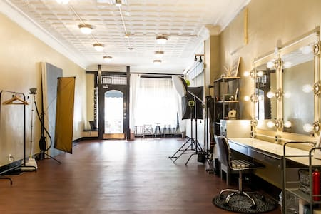 NEW Stunning Photo Studio Rental - Hourly/Daily - Bellevue - Lain-lain