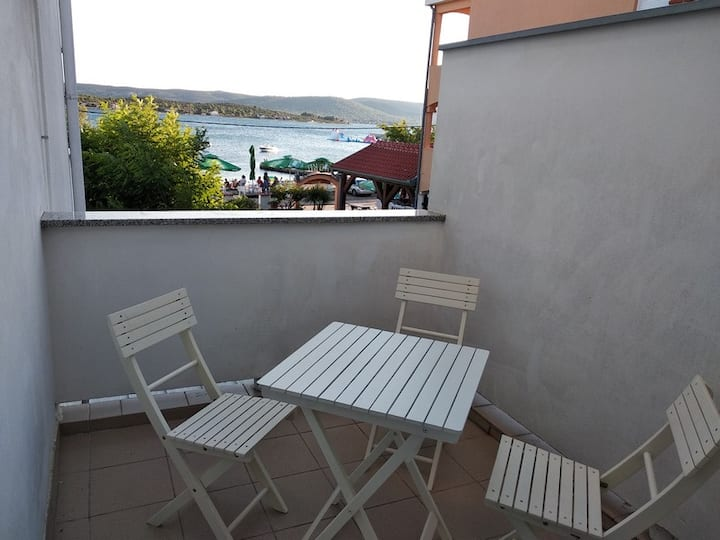 One bedroom apartment with balcony - PPB4