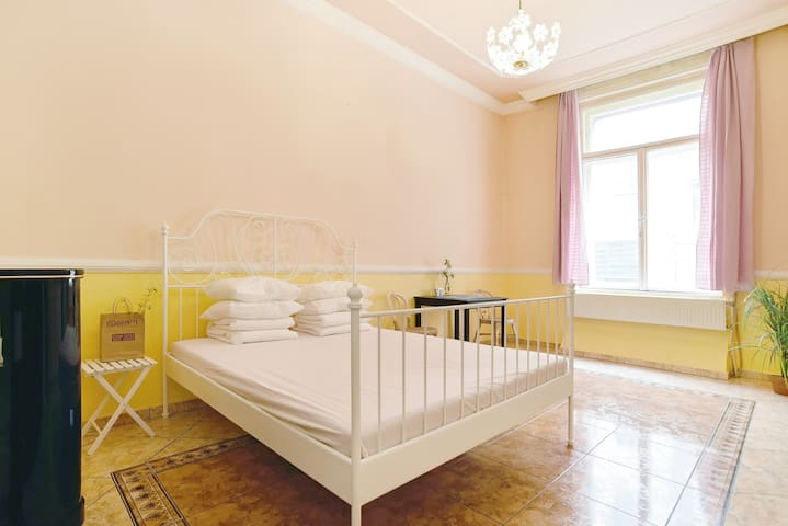 -0- Warm Room of Classical Style