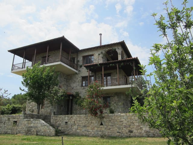 Ground floor apartment with mount Athos view - Sikia - Haus