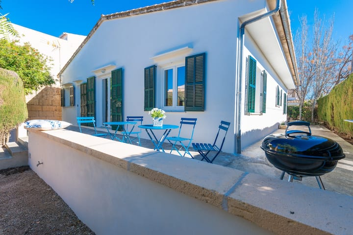 CALA RAFALINO - Chalet with terrace in the peaceful area of Cala Morlanda. Free WiFi