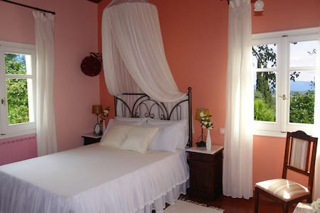 Riza Stone Cottage. Romantic villa - Korfu