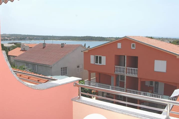 Besty A16 for 4, 20m from the sea - Novalja - Daire