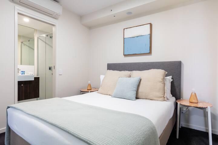 1 Bedroom Apartment - MOOLOOLABA- FIRST LIGHT