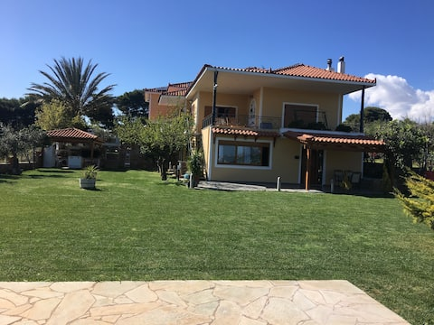 ATHENS COUNTRYSIDE RESORT CLOSE TO AIRPORT!!