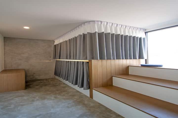 Unique design dorm 4 bed-room close to khaosarn