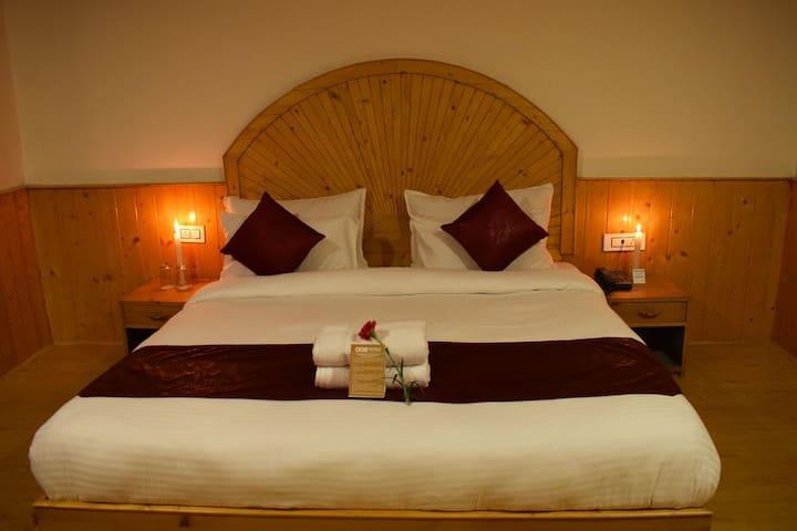 Sky One Ski Resort,Manali Room-Balcony &ValleyView