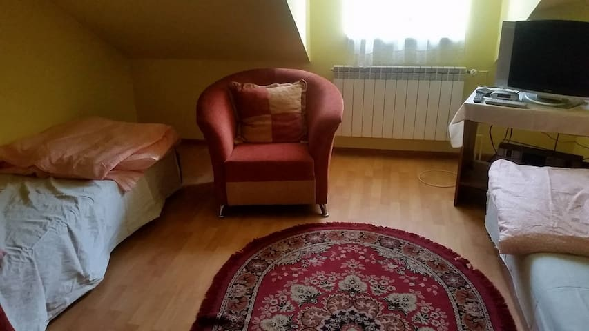 30km from Krakow, Cheap and clean room :) - Radziemice - Guest suite