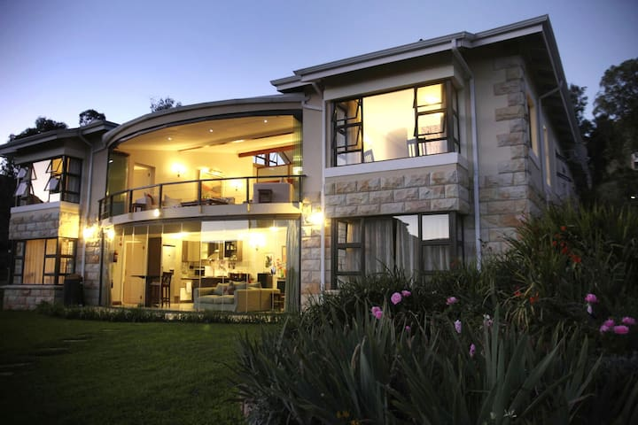 Luxurious Comfort - Amazing Views - Clarens - Ház