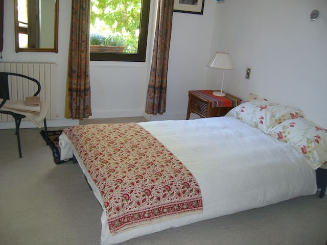 Double room, overlooking Placeta Sant Antoni.
