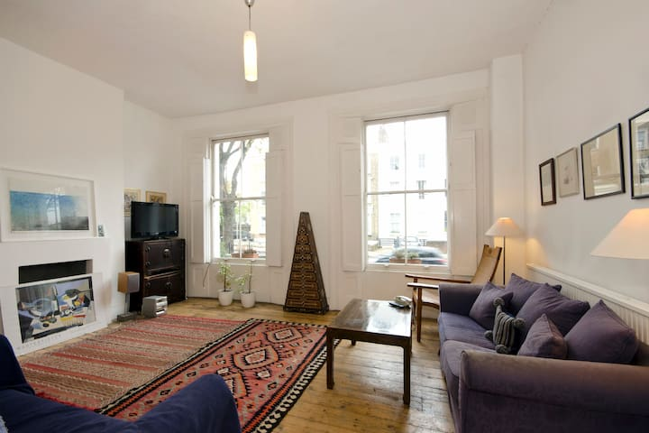 Comfortable double in spacious architect's flat - Islington - Apartemen