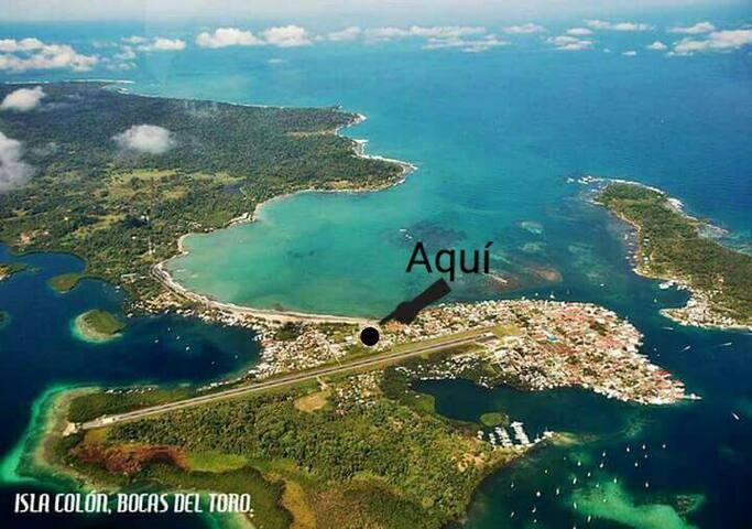 Hab comp a/c, baño, balcón y WiFi - Bocas del Toro