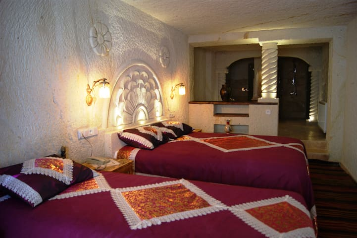 Local Cave Suite in Ortahisar