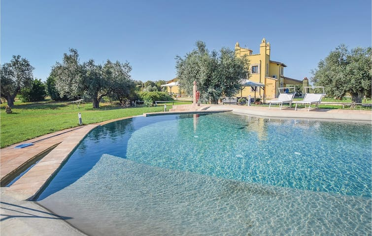 Holiday cottage with 7 bedrooms on 300m² in Canino VT