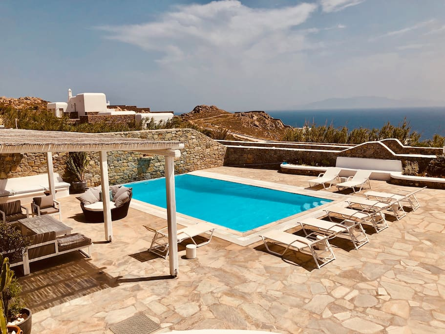 Outdoor swimming pool-Sea view