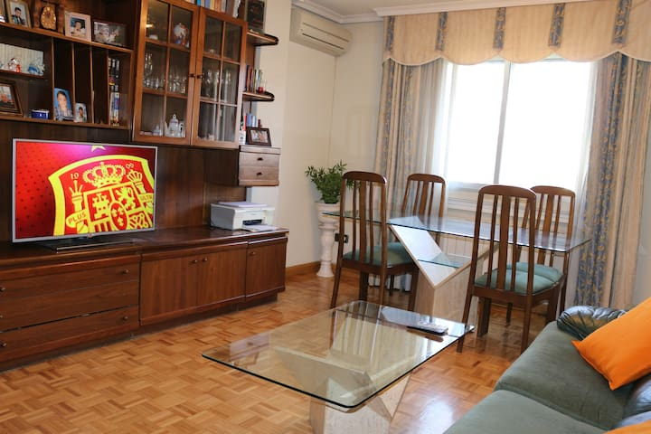 Nice and comfy apartment in Madrid - Coslada