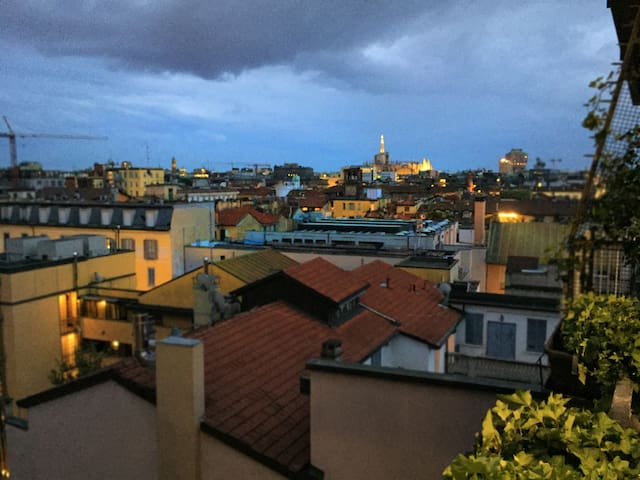 Brera apt. with panoramic terrace - Duomo view