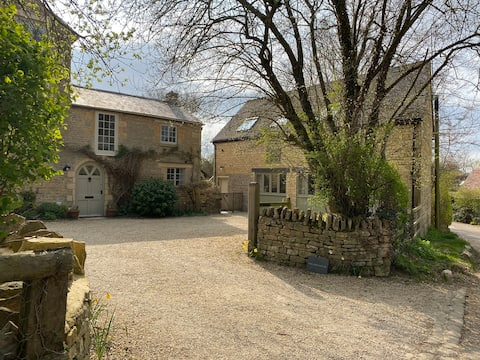 The Nest - a charming, cosy Cotswold retreat
