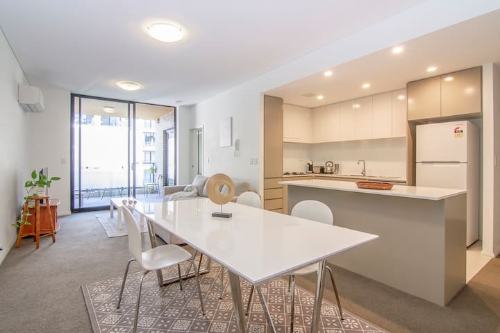 Charming and Dream home in Sydney- FREE CARPARK