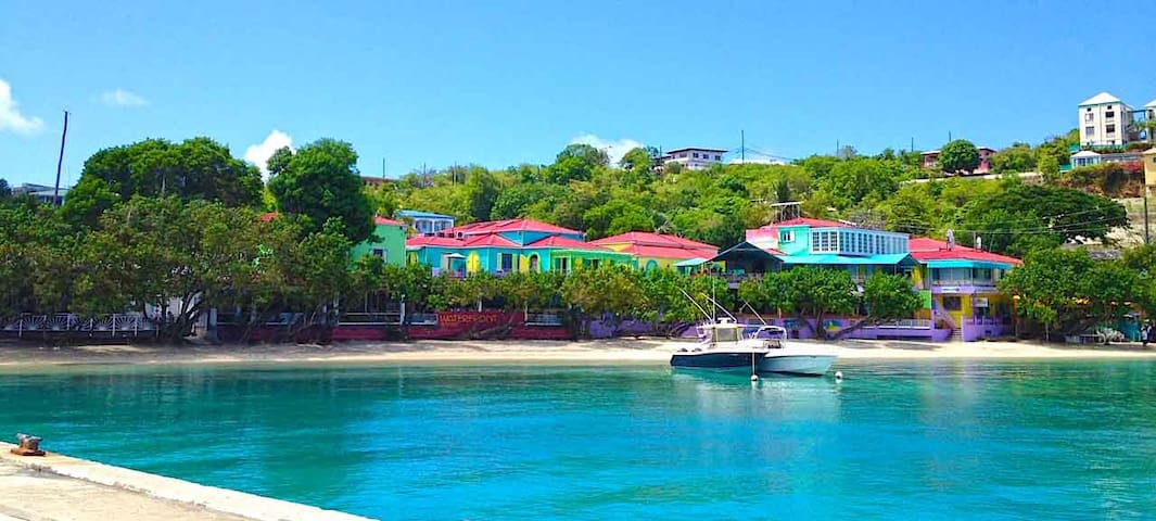 Amazing Waterfront Apartment in Cruz Bay - St. John