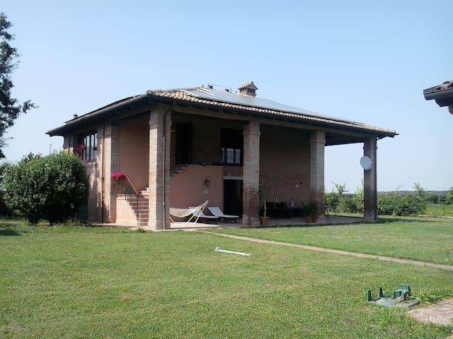 """villa """" La Scala"""" - Castel Guelfo di Bologna - Lejlighed"""