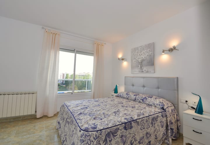 Serena penthouse with terrace, sea view, 150m beach