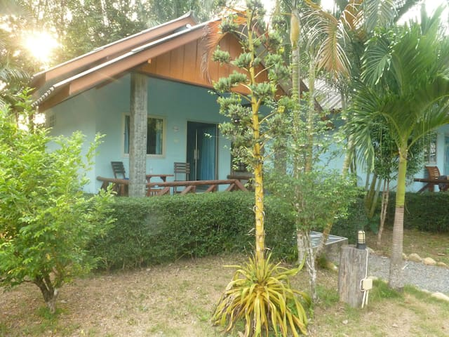Clean & Big Bungalow 200m from Klong Prao Beach