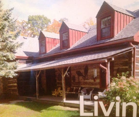 Canadiana Cabin 20 mins to Prince Edward County! - Quinte West - Casa