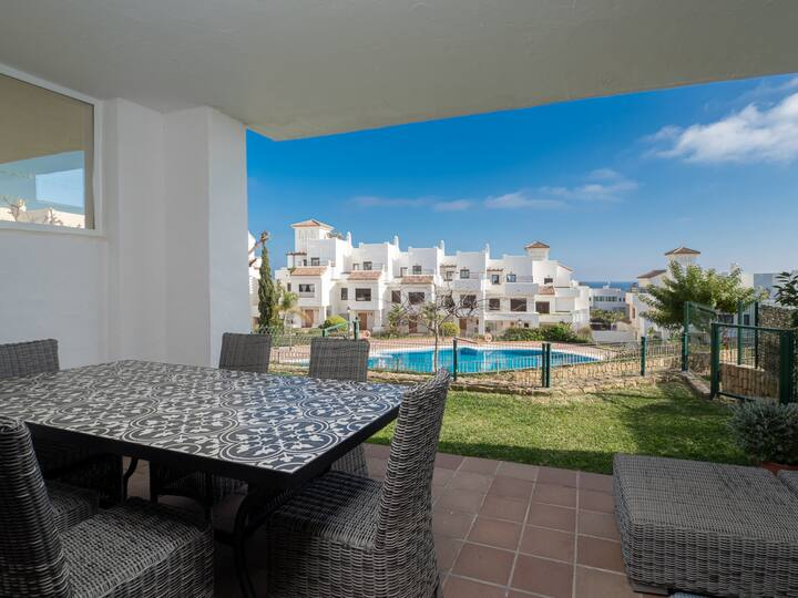 2305-Luxury villa sea view