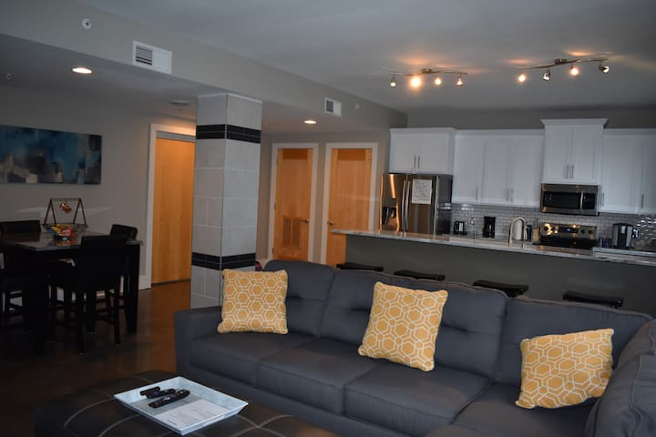 Living Area-Open and Spacious!