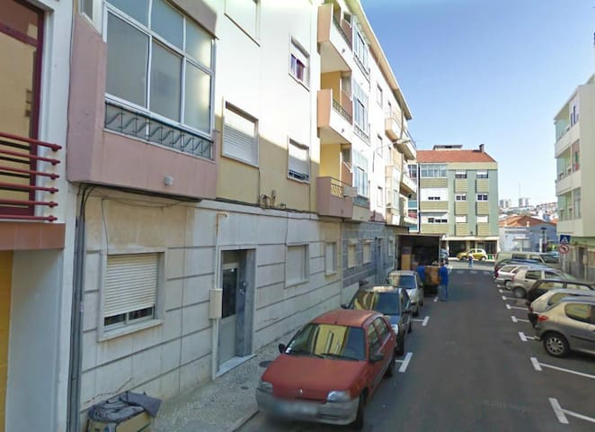 Quarto em Apartamento - Amadora - Apartment