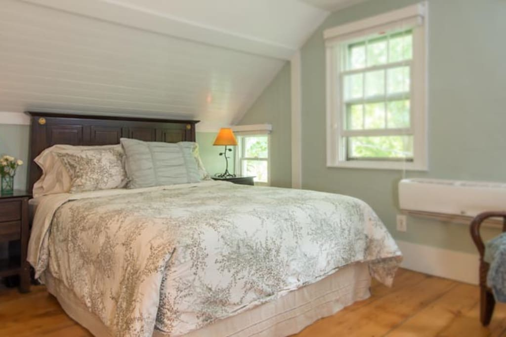 Cozy romantic haven at b b chambres d 39 h tes louer for Chambre d hotes orleans