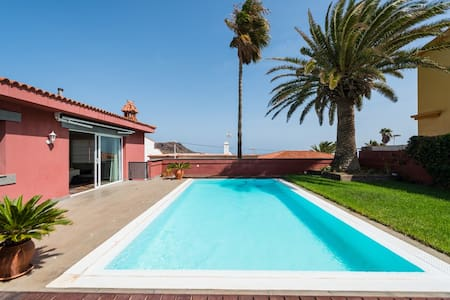 LUXURY VILLA. HEATED PRIVATE POOL GC17 - Telde
