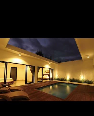 White villa Sanur Bali deluxe 4