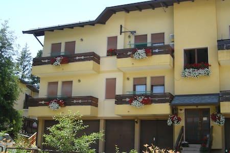 Appartamento a Treschè Conca - Tresché Conca - Lejlighed