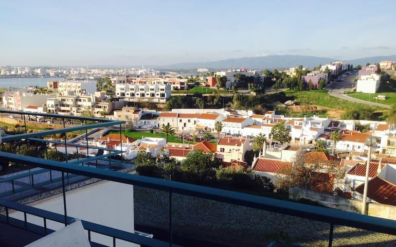 Luxe Appartement, uitzicht over Ferragudo & Arade