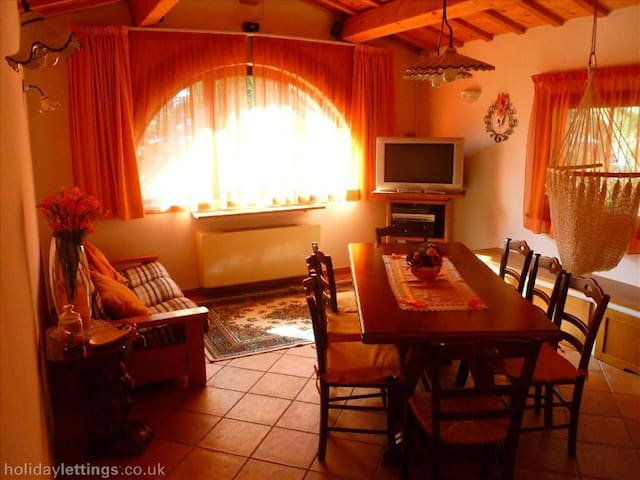 Independent country house - Sant'angelo In Vado - Dom