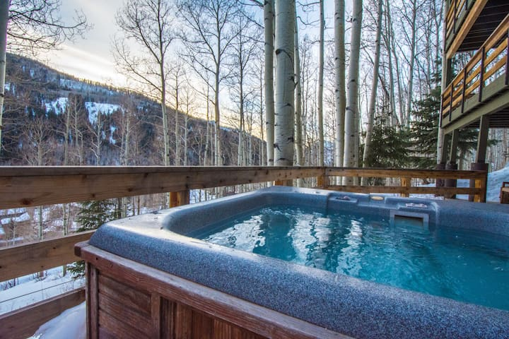 Hot Tub Under The Trees - View of Honeycomb Canyon