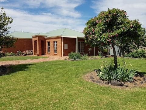 Murtoa Farm-View Guest House