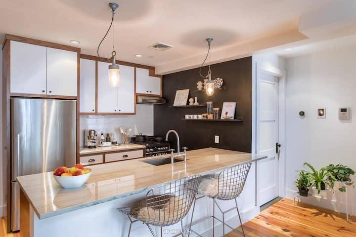 Luxury Williamsburg 2-Story Apartment w/ Patio