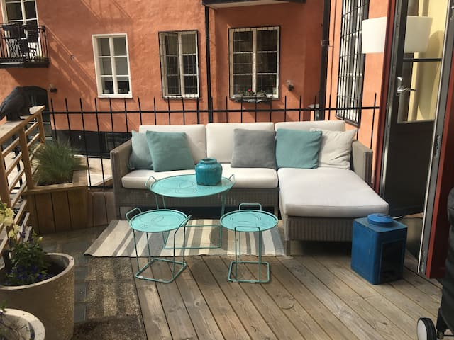 Perfect location in the city with terrace