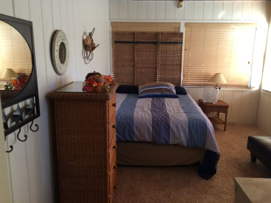 Comfy Room In Beach Cottage Houses For Rent In Treasure Island