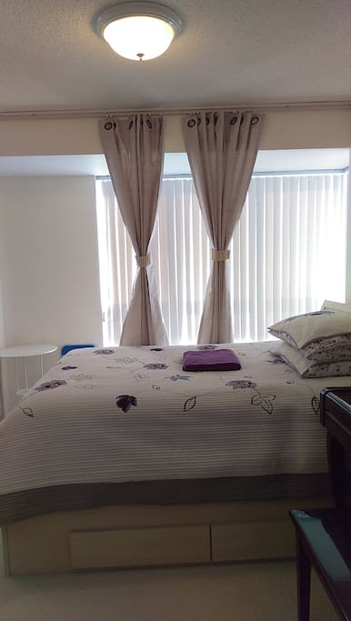 Master Bedroom Near Downtown Apartments For Rent In Toronto Ontario Canada