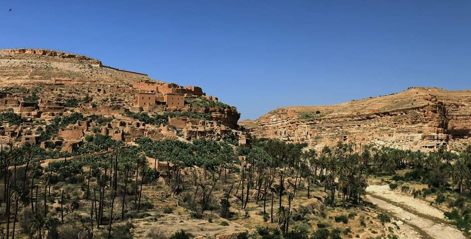 Ghoufi you can go and hike in beautiful canyons