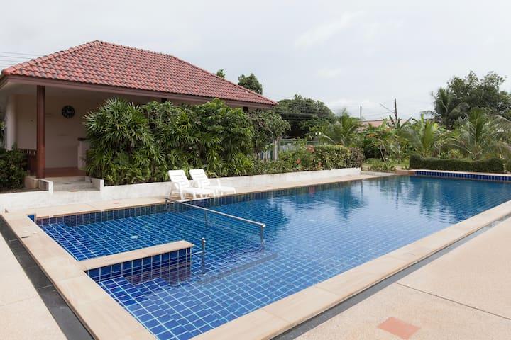 Arysa Phuket Resort