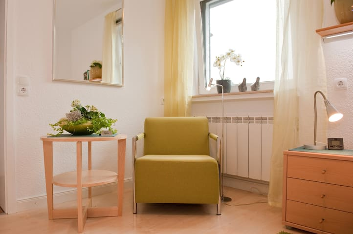 Furnished room 42-1 with kitchenet - Bremen - House